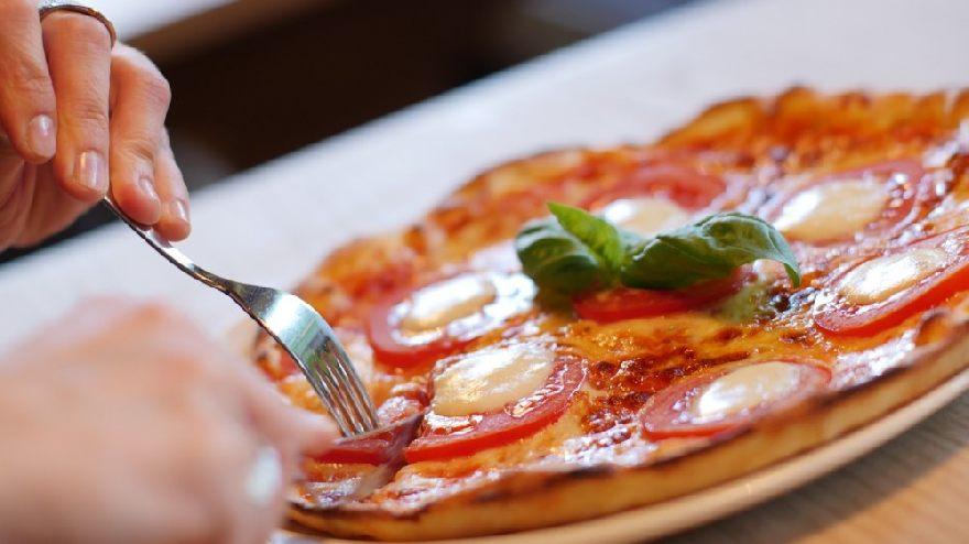 Pizzeria Crazy Italy in Garbsen mit Lieferservice von knusprige Pizza und italienisches Essen.